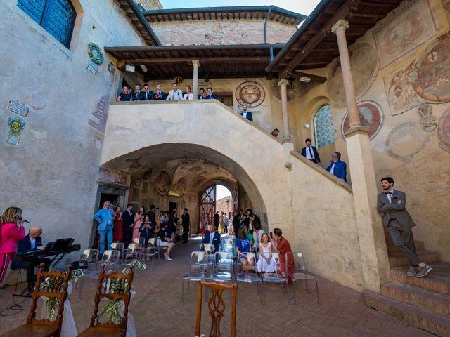 Il matrimonio di Christophe e Marie a Certaldo, Firenze 42