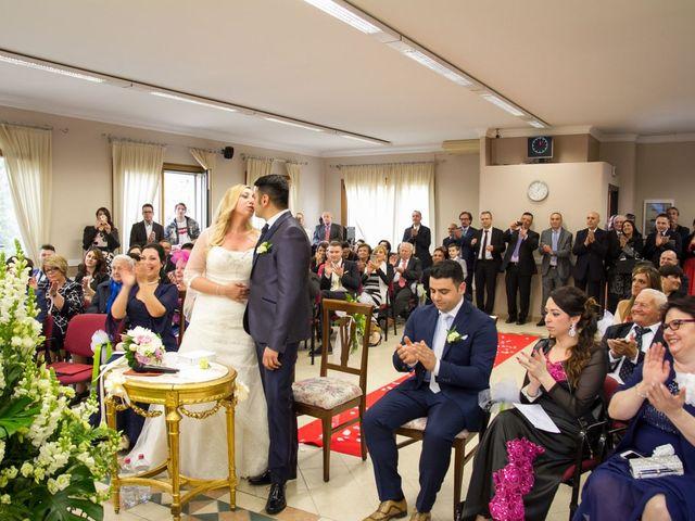 Il matrimonio di Pietro e Veronica a Binasco, Milano 23