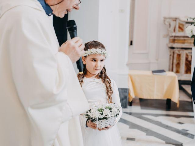 Il matrimonio di Francesco e Imma a Torre del Greco, Napoli 16