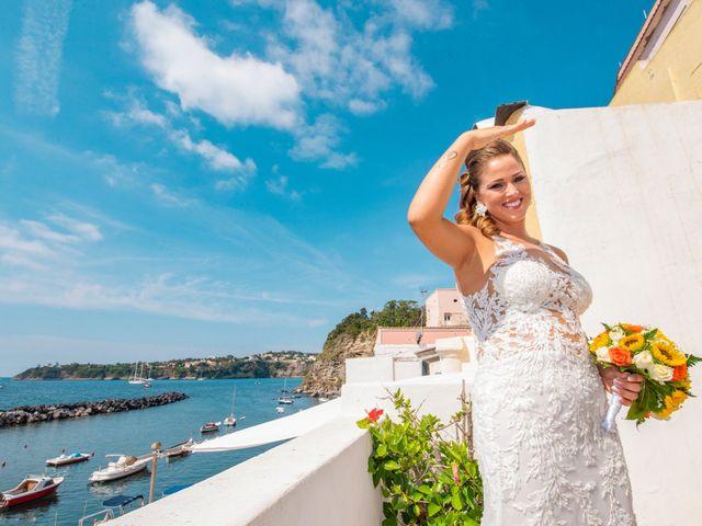 Il matrimonio di Angelo e Alessia a Procida, Napoli 8