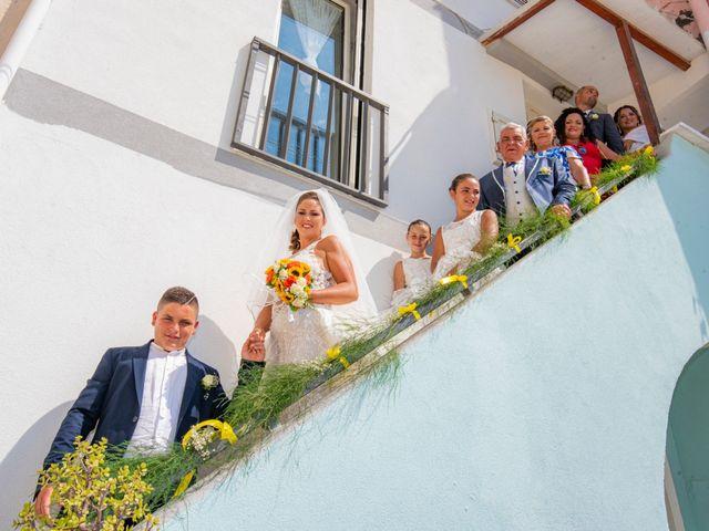 Il matrimonio di Angelo e Alessia a Procida, Napoli 22