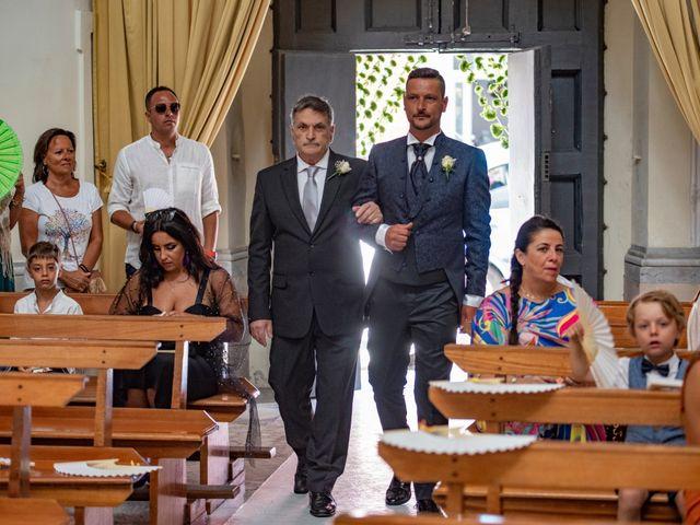 Il matrimonio di Angelo e Alessia a Procida, Napoli 24