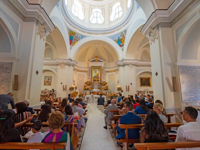 Il matrimonio di Angelo e Alessia a Procida, Napoli 27