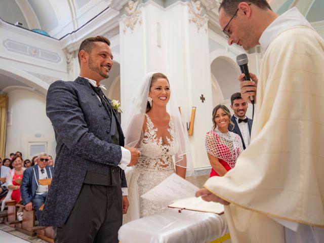 Il matrimonio di Angelo e Alessia a Procida, Napoli 28
