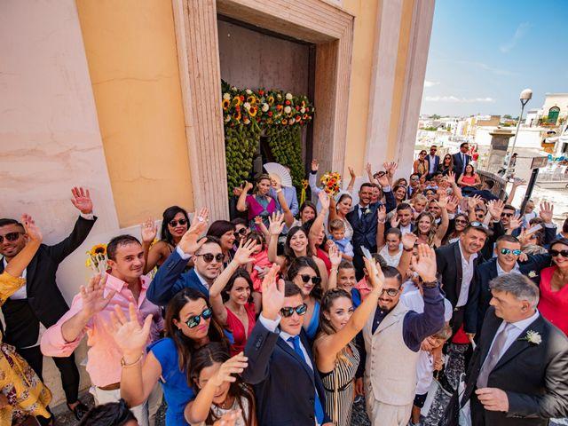 Il matrimonio di Angelo e Alessia a Procida, Napoli 32
