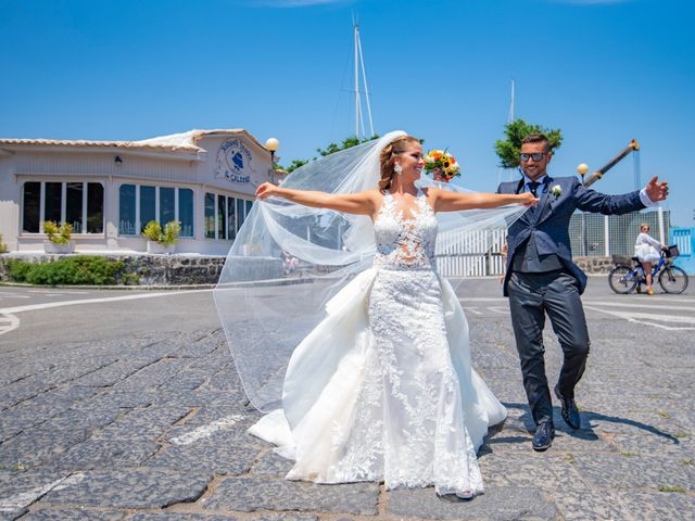 Il matrimonio di Angelo e Alessia a Procida, Napoli 33