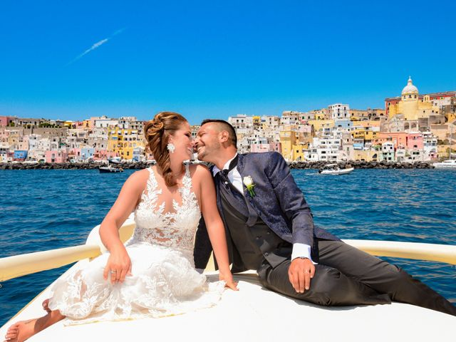 Il matrimonio di Angelo e Alessia a Procida, Napoli 37