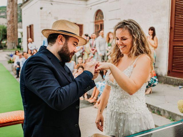 Il matrimonio di Eduardo e Lucia a Vico Equense, Napoli 22