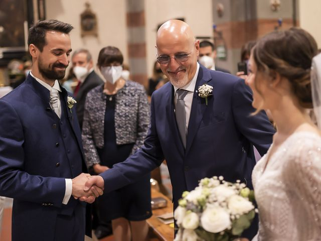Il matrimonio di Giulio e Paola a Ballabio, Lecco 11
