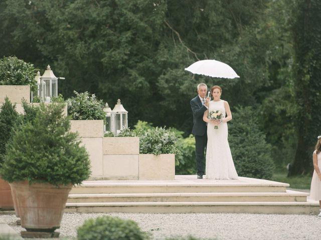 Il matrimonio di Roberto e Gloria a Porto Mantovano, Mantova 24