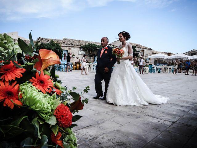 Il matrimonio di Lorenzo e Carlotta a Pachino, Siracusa 23