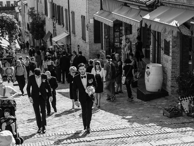 Il matrimonio di Marco e Serena a Gradara, Pesaro - Urbino 23
