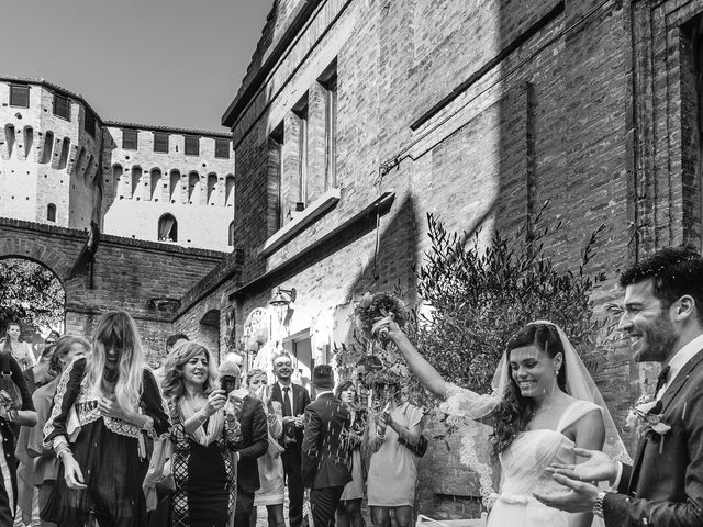Il matrimonio di Marco e Serena a Gradara, Pesaro - Urbino 39