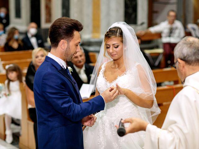 Il matrimonio di Valeria e Lino a Capurso, Bari 20