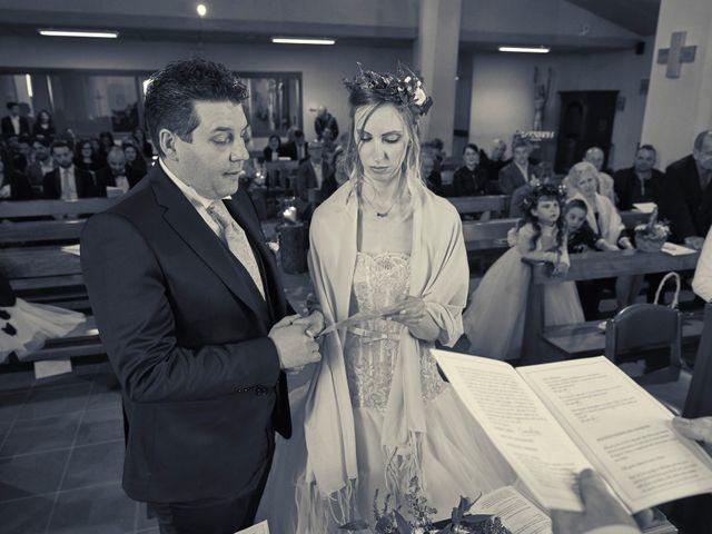 Il matrimonio di Yuri e Martina a Vermiglio, Trento 6