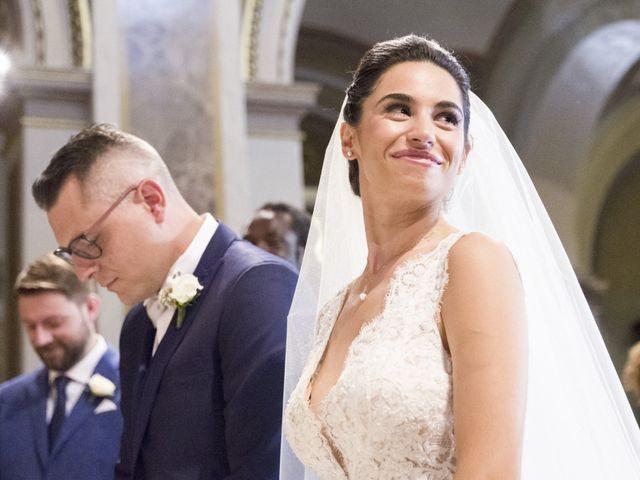 Il matrimonio di Andrea e Jennifer a Caronno Pertusella, Varese 20