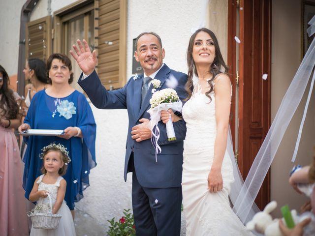 Il matrimonio di Francesco e Rossella a Belvedere di Spinello, Crotone 15