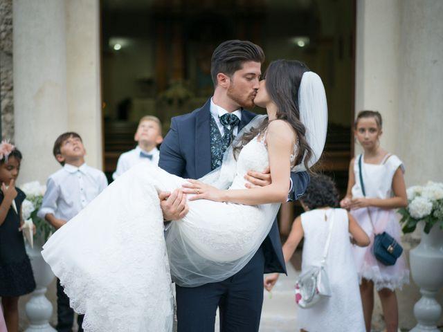 Il matrimonio di Francesco e Rossella a Belvedere di Spinello, Crotone 19