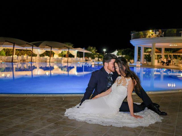 Il matrimonio di Francesco e Rossella a Belvedere di Spinello, Crotone 25