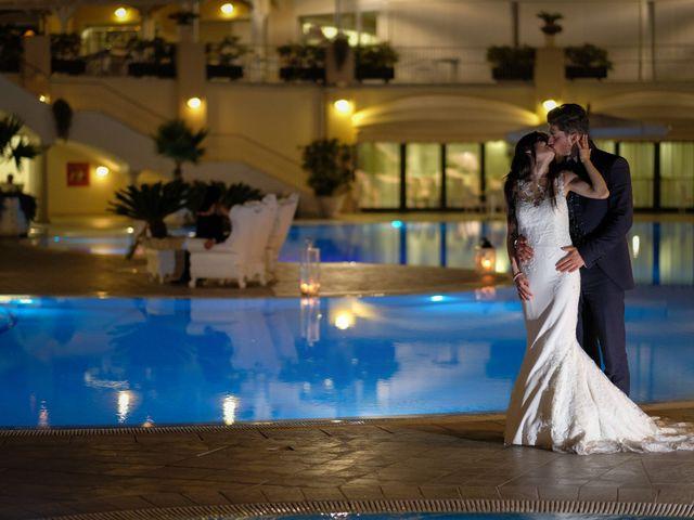 Il matrimonio di Francesco e Rossella a Belvedere di Spinello, Crotone 27