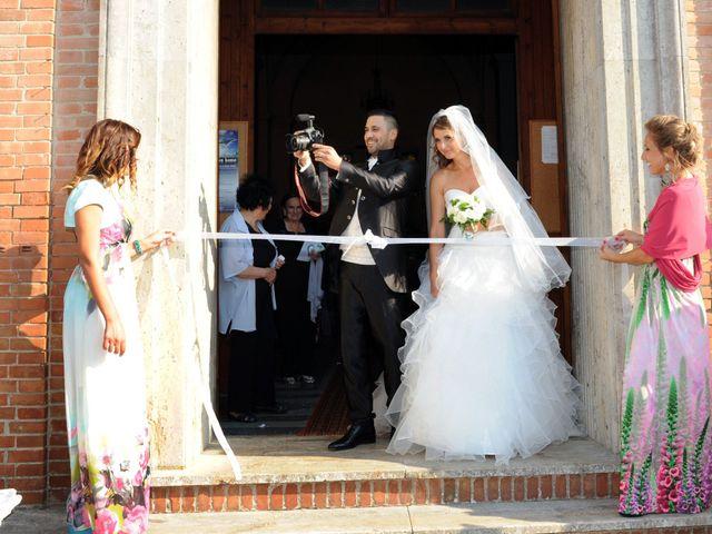 Il matrimonio di luca e Silvia a Pontedera, Pisa 8