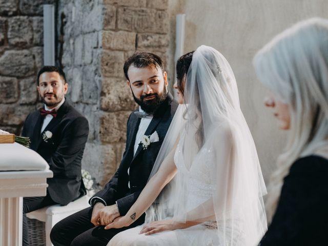 Il matrimonio di Crescenzo e Mary a San Vitaliano, Napoli 32