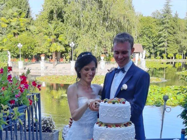 Il matrimonio di Mattia e Serena a Lonate Pozzolo, Varese 8