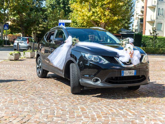 Il matrimonio di Lorenzo e Oriana a Comacchio, Ferrara 30