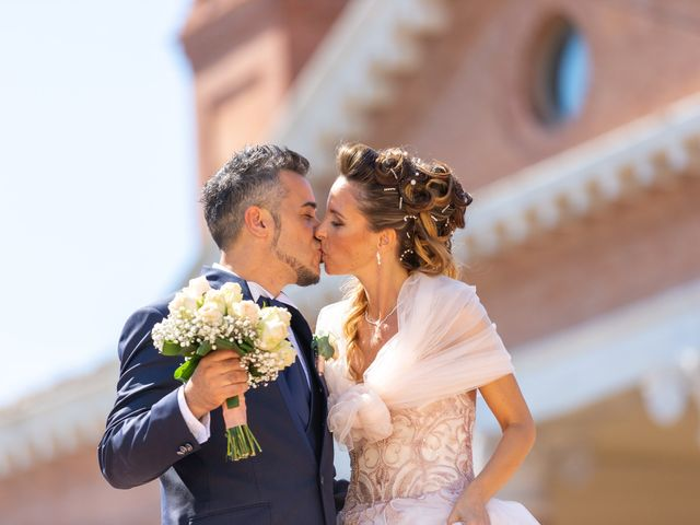 Il matrimonio di Lorenzo e Oriana a Comacchio, Ferrara 71
