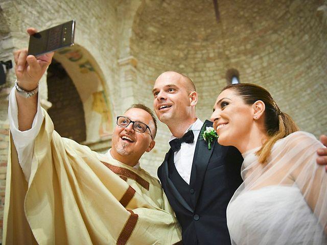 Il matrimonio di Luca e Silvia a Teramo, Teramo 23