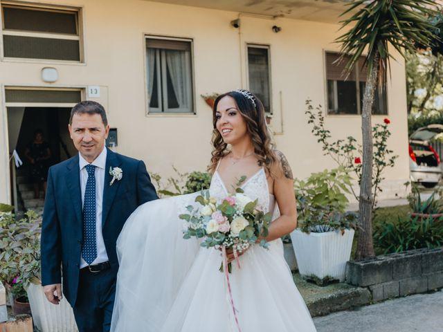 Il matrimonio di Mattia e Tity a Città Sant'Angelo, Pescara 13