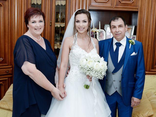 Il matrimonio di Arianna e Pietro a Torre del Greco, Napoli 9