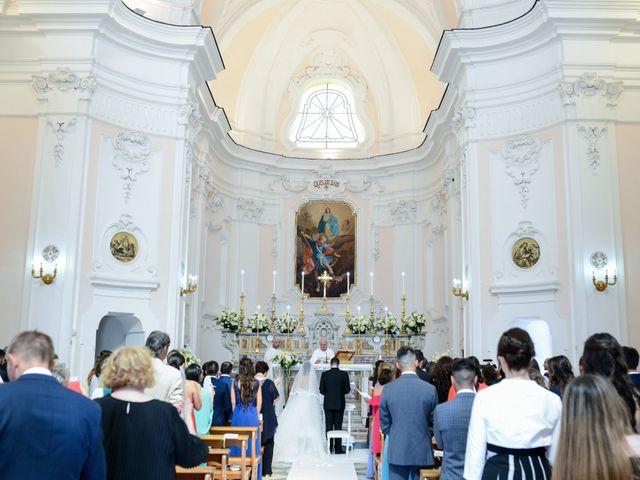 Il matrimonio di Arianna e Pietro a Torre del Greco, Napoli 14