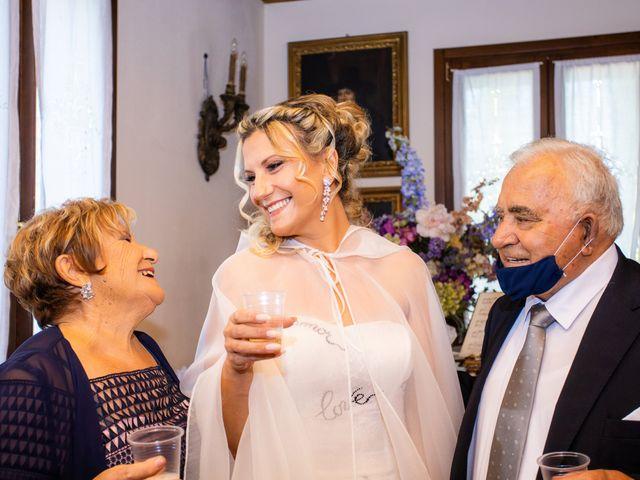 Il matrimonio di Alessio e Floriana a Comacchio, Ferrara 30