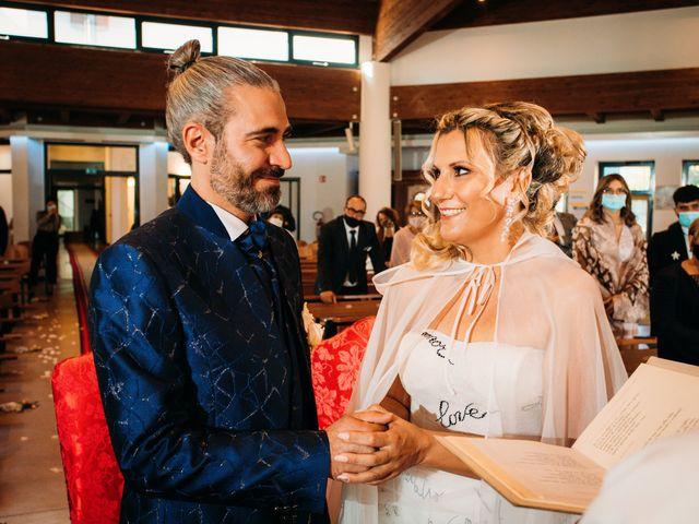 Il matrimonio di Alessio e Floriana a Comacchio, Ferrara 38
