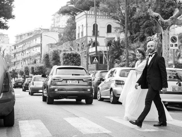 Il matrimonio di Catello e Amelia a Torre Annunziata, Napoli 24