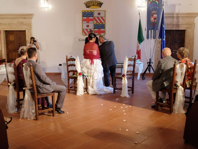 Il matrimonio di Luca e Monia a Alviano, Terni 21