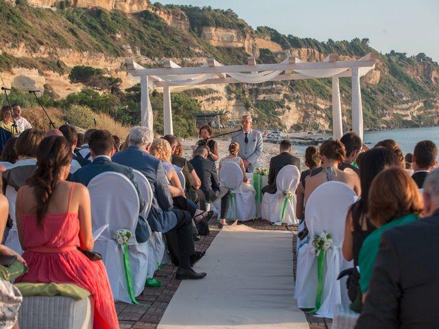 Il matrimonio di Francesco e Natacha a Tropea, Vibo Valentia 30