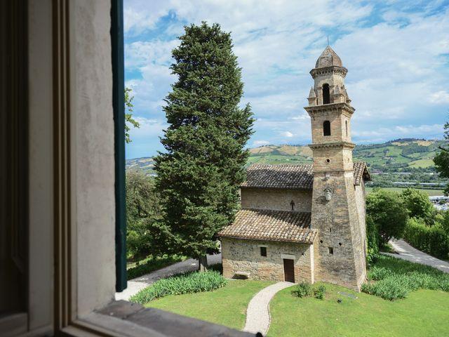 Il matrimonio di Marco e Lucy a Castel di Lama, Ascoli Piceno 5