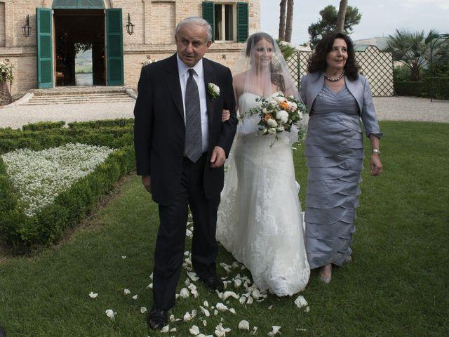 Il matrimonio di Marco e Lucy a Castel di Lama, Ascoli Piceno 22