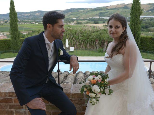 Il matrimonio di Marco e Lucy a Castel di Lama, Ascoli Piceno 37