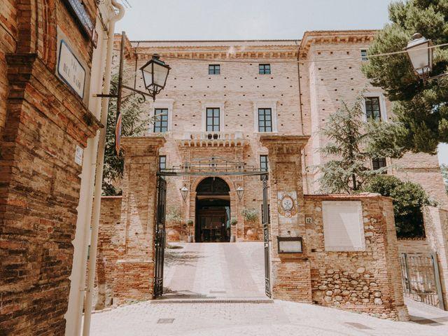 Il matrimonio di Kristina e Christian a Loreto Aprutino, Pescara 1