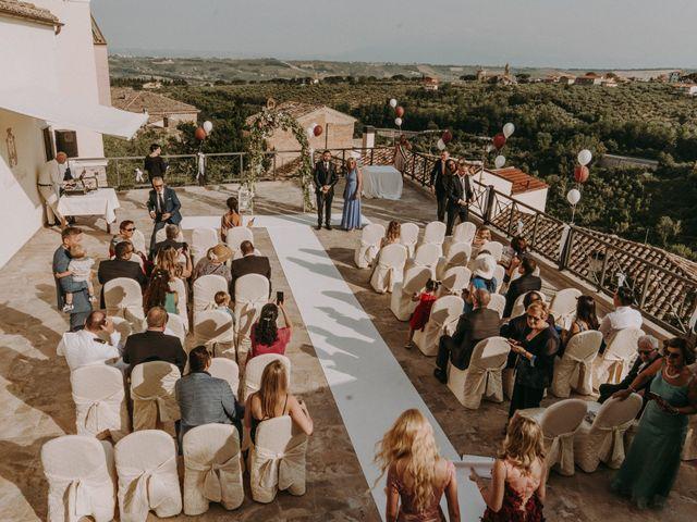 Il matrimonio di Kristina e Christian a Loreto Aprutino, Pescara 13
