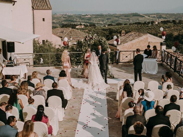 Il matrimonio di Kristina e Christian a Loreto Aprutino, Pescara 18