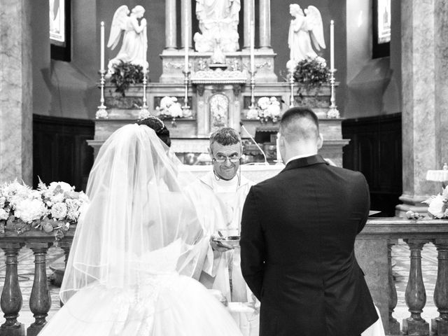 Il matrimonio di Simone e Sara a Arcisate, Varese 25