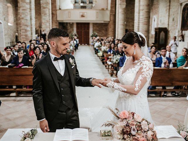 Il matrimonio di Leonardo e Tanita a Morro d'Oro, Teramo 41
