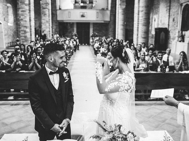 Il matrimonio di Leonardo e Tanita a Morro d'Oro, Teramo 43