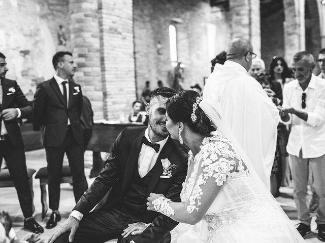 Il matrimonio di Leonardo e Tanita a Morro d'Oro, Teramo 44