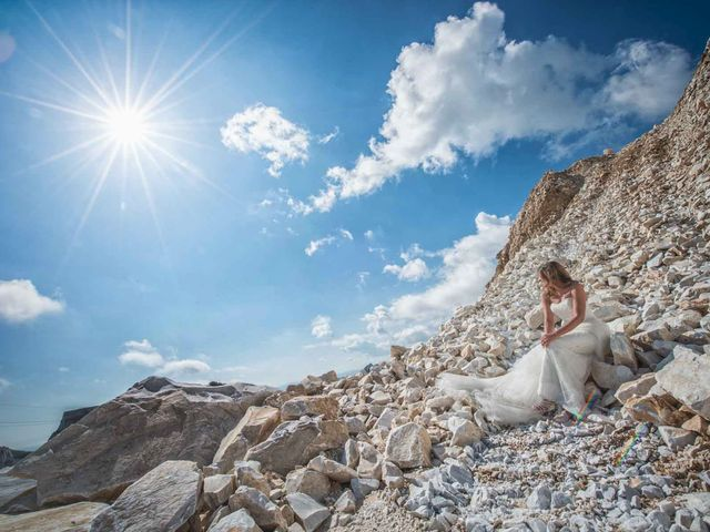 Il matrimonio di Manuel e Veronica a Carrara, Massa Carrara 15