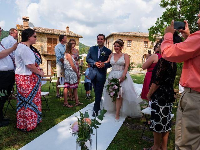 Il matrimonio di James e Alainna a Radicondoli, Siena 59